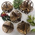 Bolas navideñas caladas en madera para ensamblar